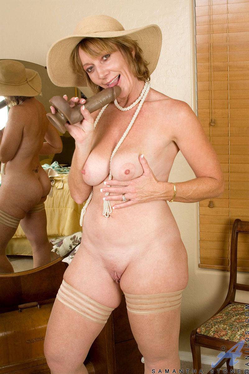 Three nude blondes pics